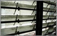 La mancanza di manutenzione riduce l'ingresso di luce naturale