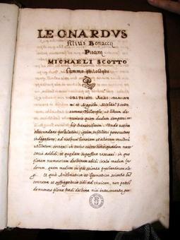 La copia della prima pagina del Liber Abaci posseduta dalla Biblioteca Nazionale di Napoli.