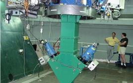 Lo spettrografo PN.S, montato al fuoco del telescopio W. Herschel a La Palma, Isole Canarie (Spagna). Fonte: PN.S team.