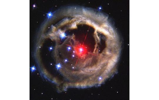 V838 Monocerotis è una stella nella fase AGB, prossima al termine della sua esistenza. Fonte: NASA