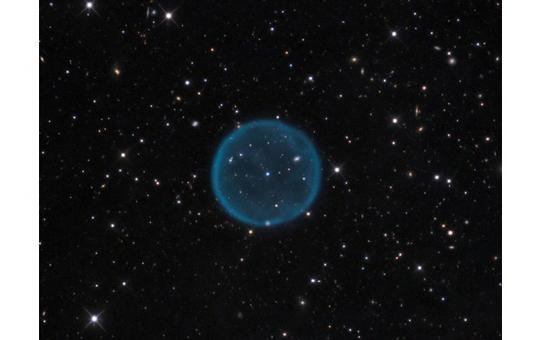 Si noti il netto confine della sfera di Strömgren per l'Ossigeno. Fonte: ESO.