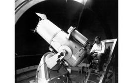 Fritz Zwicky at the 18-inch Schmidt telescope on the Mt.Palomar.