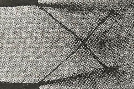 Foto Schlieren che mostra l'intersezione di onde d'urto oblique all'uscita di un ugello