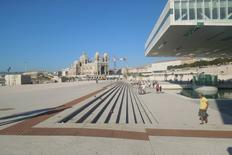 Il Museo della Ville Méditerranéenne e lo spazio collettivo di ricucitura con la cattedrale Major (foto dell'a. 2013).