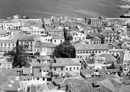 Nafplio, città portuale storica della Grecia dalla collina di Akronafelia (da E. Maistrou in T. Colletta, The role…, 2013).