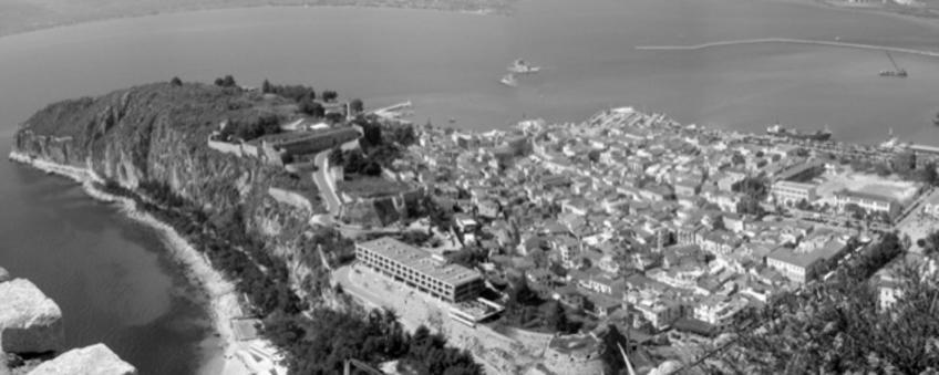 Nafplio città portuale fortificata su di un promontorio a dominio del suo porto storico ( da E. Maistrou, in T. Colletta, The role…, 2013)