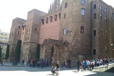 Barcellona le mura romane di Barcelo  nella città storica totalmente restaurate (foto dell'a. 2004)