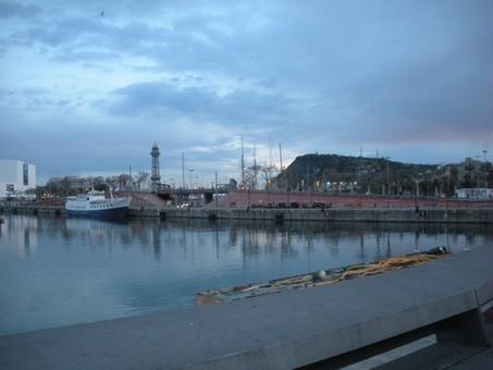 Barcellona città portuale ed il rinnovo del porto storico ad uso pubblico e di loisir per la cittadinanza. Il porto storico e la passeggiata pedonale (foto dell'a. 2009)