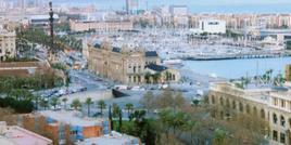 Barcellona città portuale. Il porto vecchio rinnovato e la grande piazza della Dogana aperta sul mare.