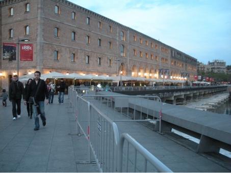 Barcellona città portuale. Il Quartiere settecentesco de La Barcelloneta  rinnovato a nuovo uso museale e ricreativo nel rinnovo del porto storico  (foto dell'a. 2009)