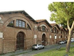 Pisa. Gli arsenali Medicei oggi Museo della città porto fluviale (foto dell'a. 2002).