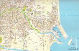 Valencia ed il grande ampliamento urbano verso il mare ed il porto del Grau in una pianta del 1980.