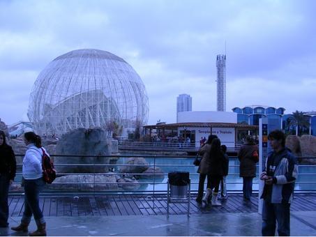 Valencia. La Città delle Scienze e delle Arti ed il grande Museo Oceanografico dell'architetto Calatrava, grande attrazione per visitatori e turisti (foto dell'a.2010)