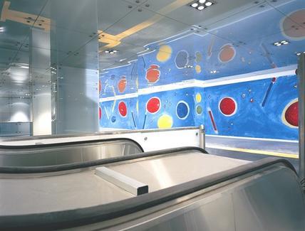 I lavori artistici  nella stazione Dante di Gae Aulenti fatti dall'artista napoletano Pistoletto. I lavori artistici  del lungo mosaico di Pistoletto e dell'artista De Maria ( foto dell'a. 2007)