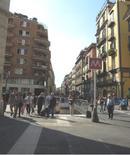 """Via Toledo e l'ingresso del Metrò """"Toledo"""" (foto dell'a. 2013)"""