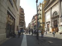 """Via Toledo e l'ingresso del Metrò """"Toledo"""", in fronte Santa Maria delle Grazie. (foto dell'a. 2013)"""