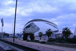 Valencia(Spagna), La grande architettura del Museo delle Arti dell'arch. Calatrava, parte di una grande rigenerazione della città portuale (foto dell'a. 2010)