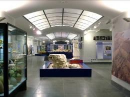 Napoli. Il nuovo museo archeologico del 2005 con le scoperte della città romana di Neapolis (foto dell'a. 2007).