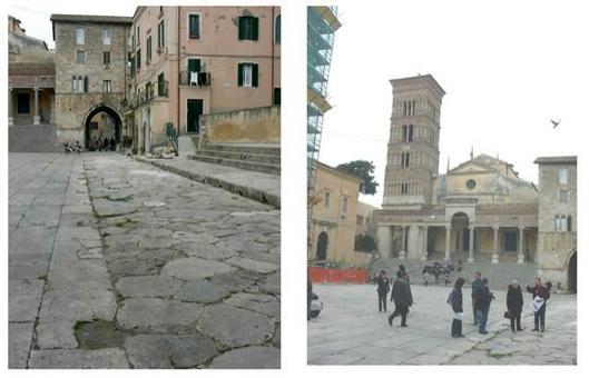 Terracina (Lazio).  La piazza della cattedrale nell'antico Foro romano. (Foto dell'a. 2005)