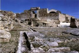 Conza della Campania. L'area della cattedrale di S.Maria Assunta e la scoperta del Foro romano dell'antica Compsa (foto dell'a. 2007).