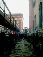 Pozzuoli: Rione Terra,  la scoperta dell'antica strada romana sotto la via Duomo durante i lavori di restauro  (foto dell'a. 2006).