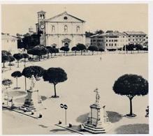 Palmanova. La chiesa costruita, e ancora esistente, dedicata al Redentore, occupa la metà di uno dei lati dell'esagono, più specificamente quello che guarda lo sbocco della strada che passa da Porta Marittima.