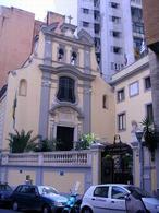 Napoli. La chiesa di San Paolo dei Greci nella zona di piazza Carità (foto dell'a. 2005) .