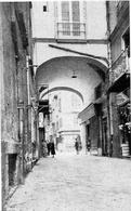 Napoli. Via Ponte di Tappia, in una foto prima della demolizione del 1937 (da T. Colletta Napoli città portuale e mercantile…, 2006, cap.V)