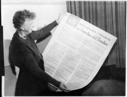 Eleanor Roosevelt e la Dichiarazione Dichiarazione dei Diritti umani. Fonte: Wikipedia