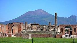 Pompei il tempio di Giove. Fonte: Flickr
