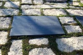 La sepoltura del presidente Kennedy al cimitero di Alrington. Fonte: Arlington Cemetery