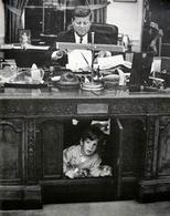 Il Presidente Kennedy al lavoro. Fonte: White House Museum