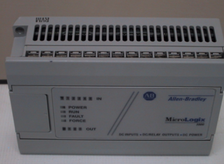 Esempio di controllore a logica programmabile (PLC) monolitico – PLC A&B MicroLogix