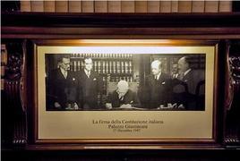 La firma della Carta costituzionale
