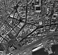 Immagine fotografica zenitale di un'area della città di Napoli