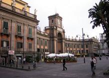 L'esedra di piazza Dante a Napoli