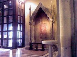 Il nuovo l'antico e la differenza. Chiesa di Santa Chiara.