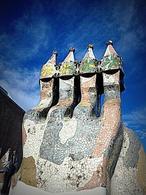 Gaudì Casa Battlò Comignoli. Fonte: Flickr