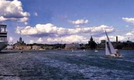 Sede dell'Enso-Gutzeit. Vista dal mare della cortina di Esplanadi.