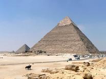 Piramide di Cheope. 2600 a.C. Fonte: foto R. Landolfo