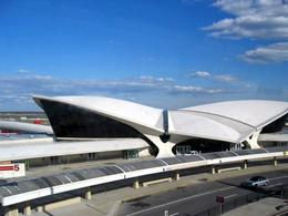 Airlines Terminal, John F. Kennedy Airport, New York (1956-63) . Fonte: Università della Concordia