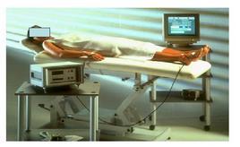Posizione del soggetto. Si ringrazia DS Medica srl, Viale Monza 133 – Milano, per la concessione ad uso didattico delle immagini relative all'impedenziometria.
