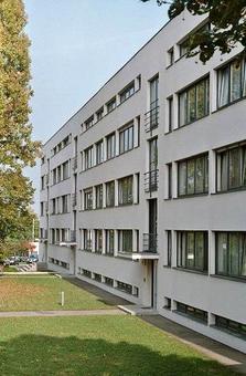 Ludwig Mies van der Rohe, Residenze al Weissenohf di Stoccarda, 1927. Fonte: Wikimedia