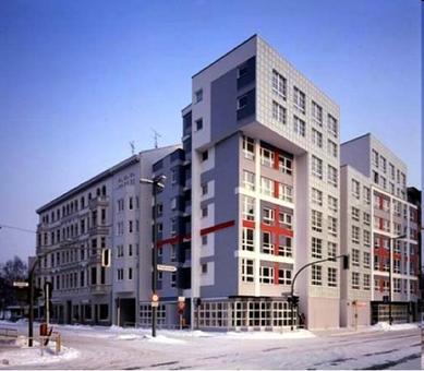 Peter Eisnman, Residenze sociali IBA a Berlino, 1981-1985.