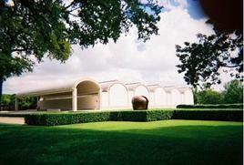 Louis Kahn, Kimbell Art Museum (1966-1972). Fonte: wikipedia