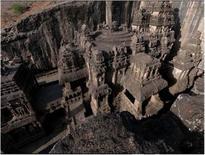 Templi Buddhisti scavati nella roccia basaltica, secc.VII-XI, Ellora (India). Foto Donatella Mazzoleni, (UNESCO)