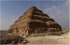 Piramide di Djoser, ca 2650 a.C. Saqqarah (Egitto) (foto D.Mazzoleni)