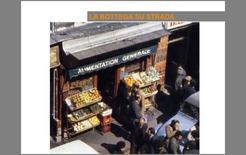Fig. 2 Immagini di un negozio che continua ad utilizzare lo schema tipologico delle prime botteghe
