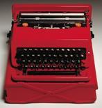 Macchina da scrivere Valentine, prod. Olivetti 1969, designer Ettore Sottsass e Perry A. King. Premio Compasso d'oro nel 1970