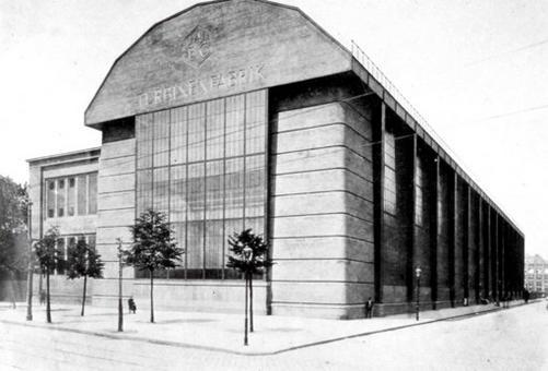 Peter Behrens, Turbinenfabrik AEG, 1909